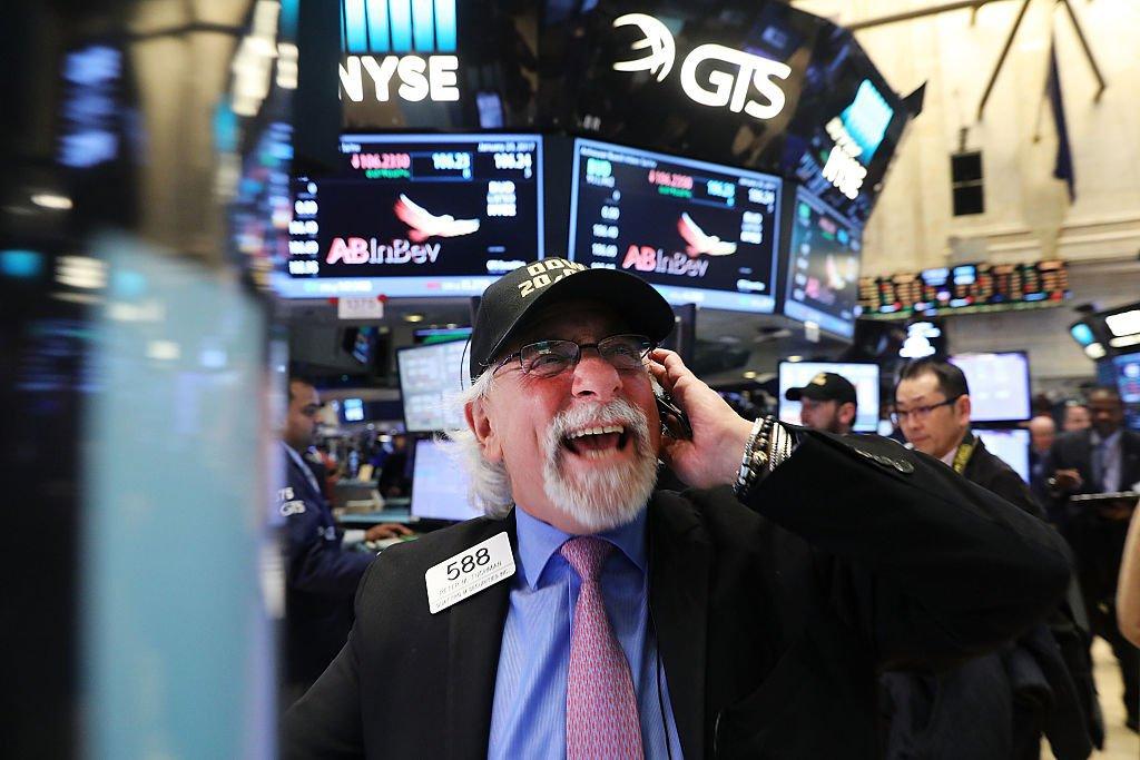 BOLSA DE NOVA YORK: ganhos recordes nos principais índices americanos animam investidores / Spencer Platt/Getty Images