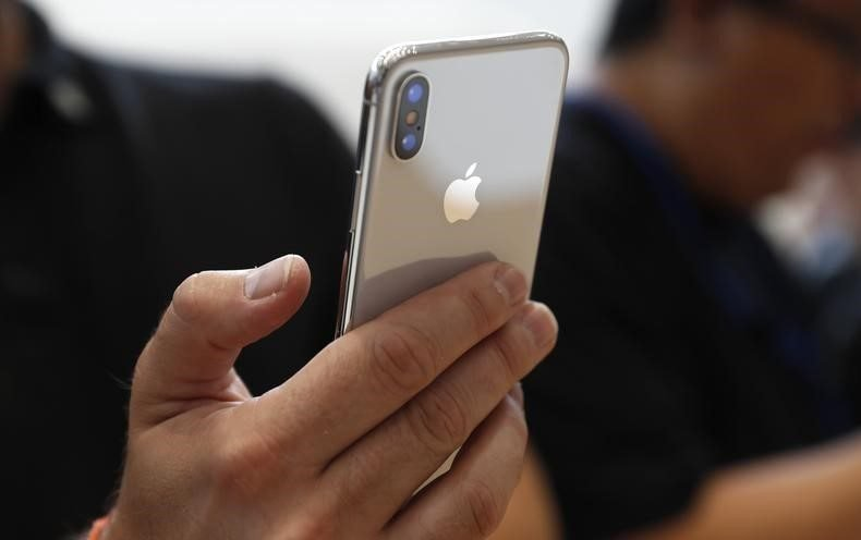 iPhone X durante lançamento da Apple em Cupertino, Estados Unidos