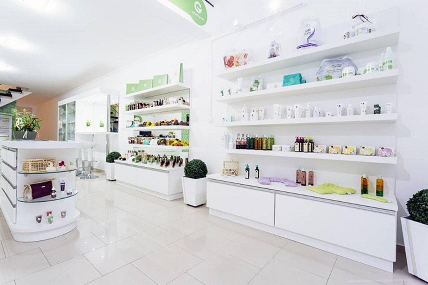 Cosmetic Green