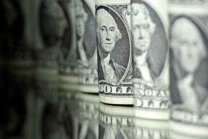 Foto ilustrativa de notas de dólar
