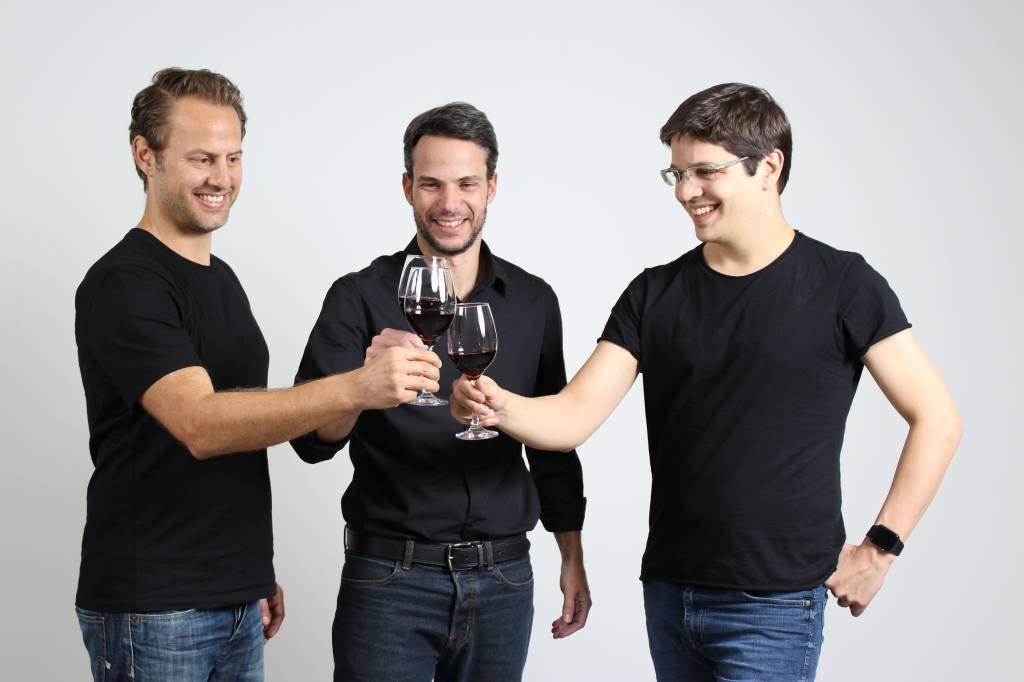 Olivier Raussin, Ari Gorenstein e Marcos Leal, CEOs da Evino