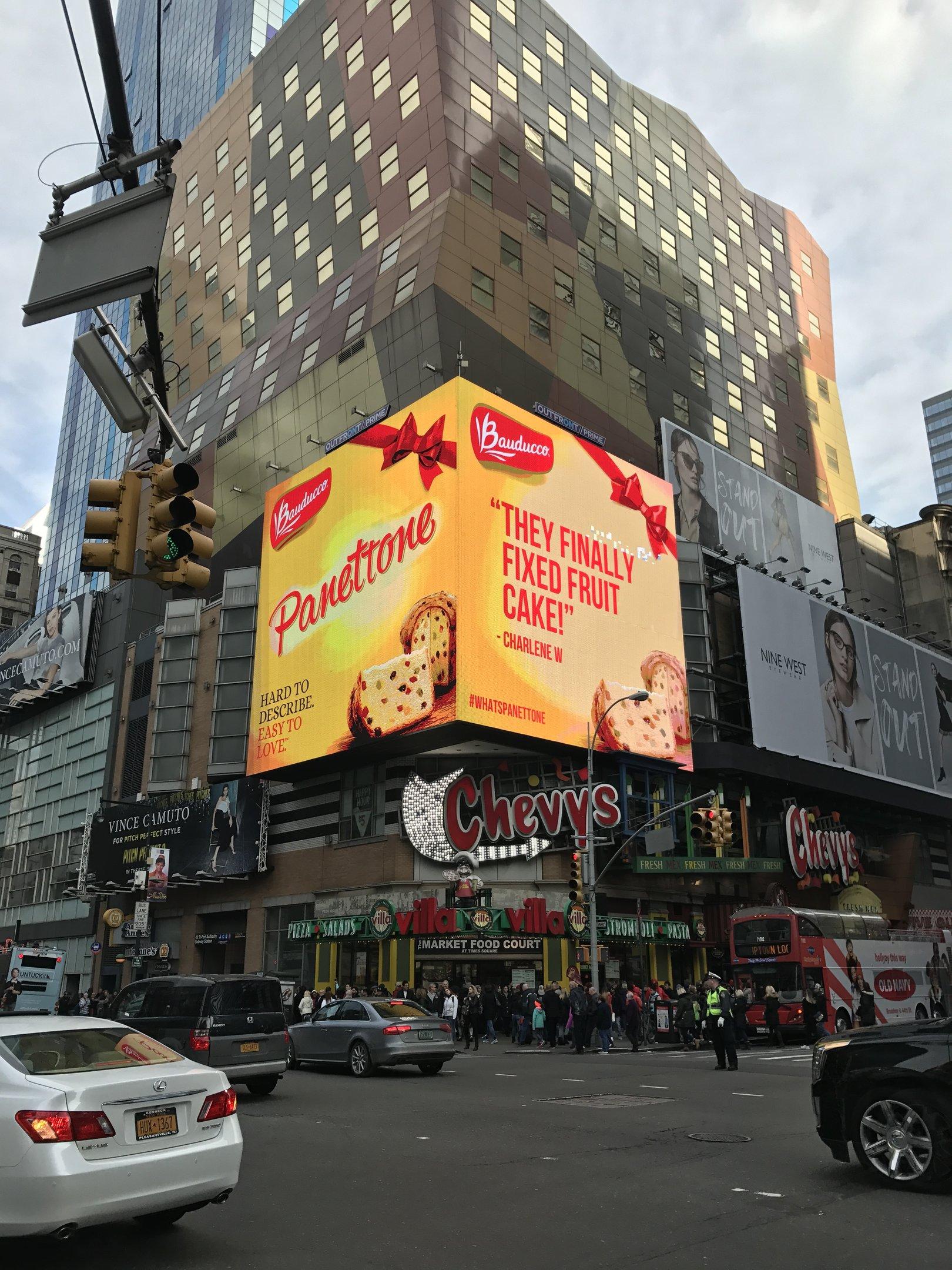 Anúncio do panetone Bauducco na Times Square: investimento pesado para vender doce aos americanos