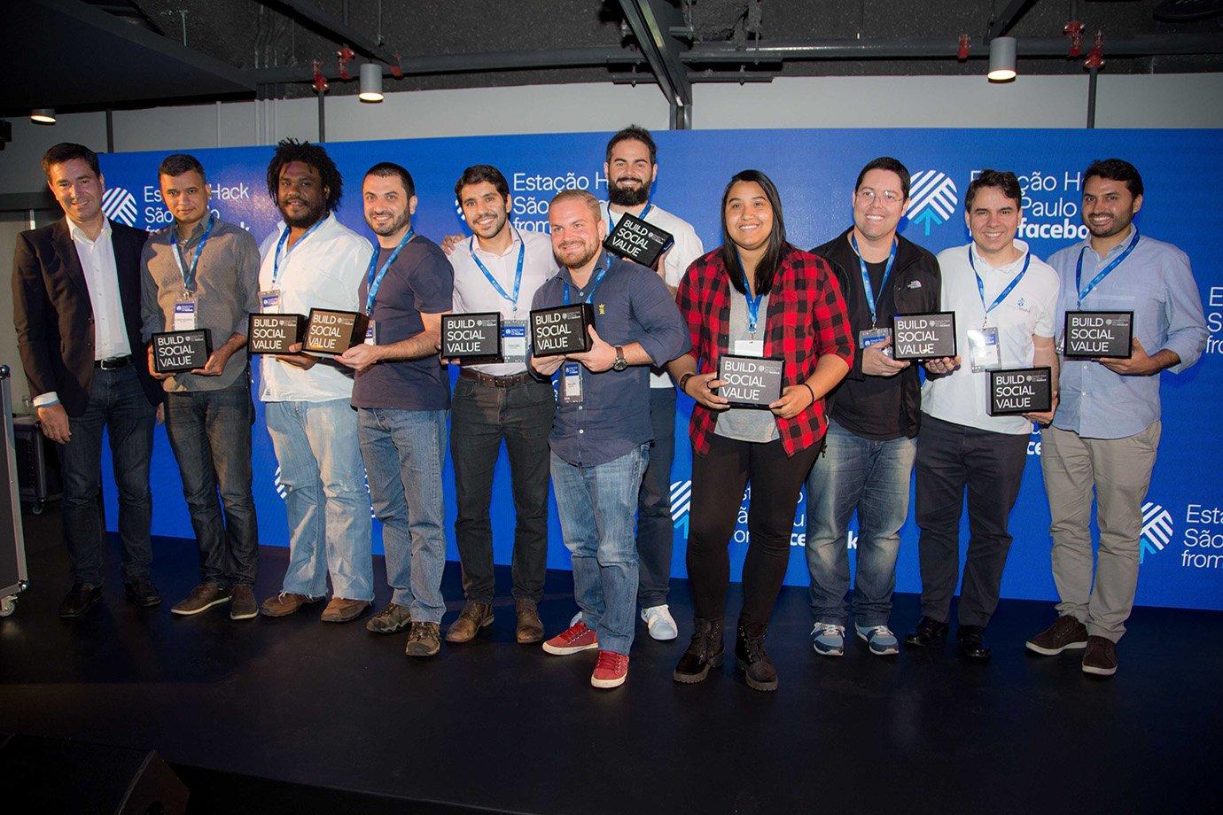 Empreendedores acelerados pela Estação Hack, centro de inovação do Facebook