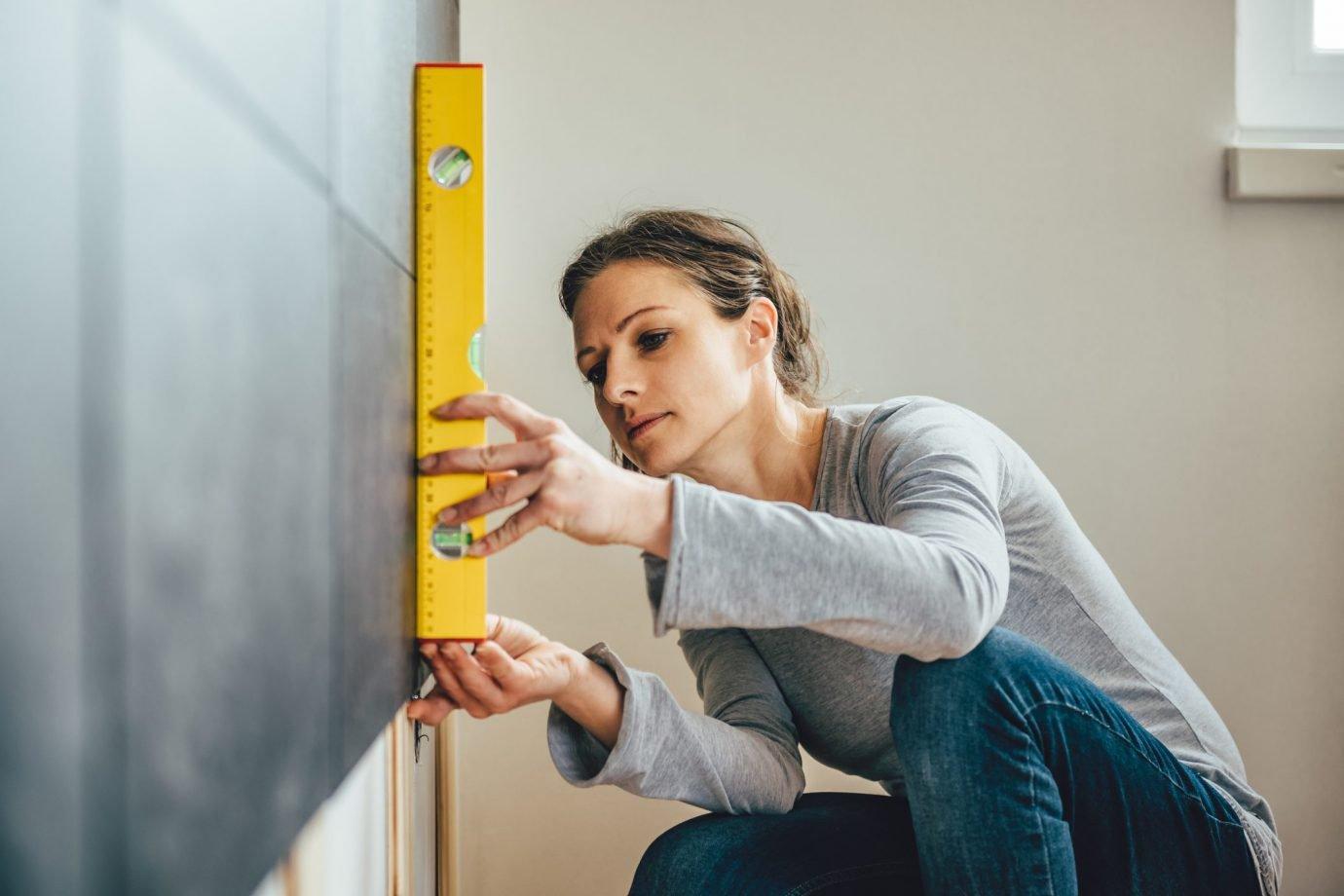 Conserto doméstico feito por mulheres ganha espaço | Exame