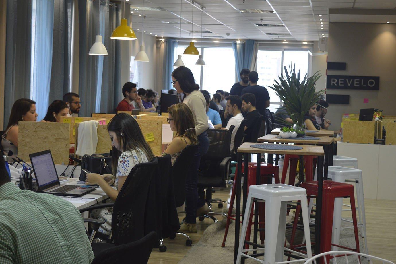 Escritório da startup Revelo