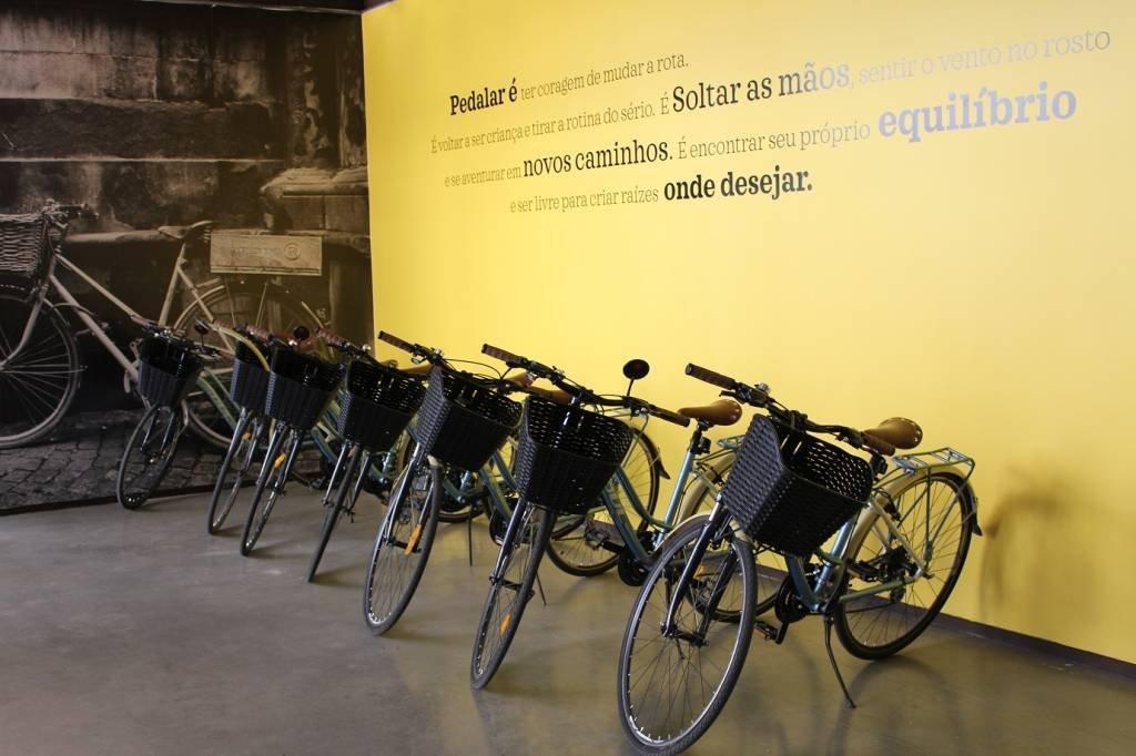 Bicicletas usadas para locomoção interna pelo escritório