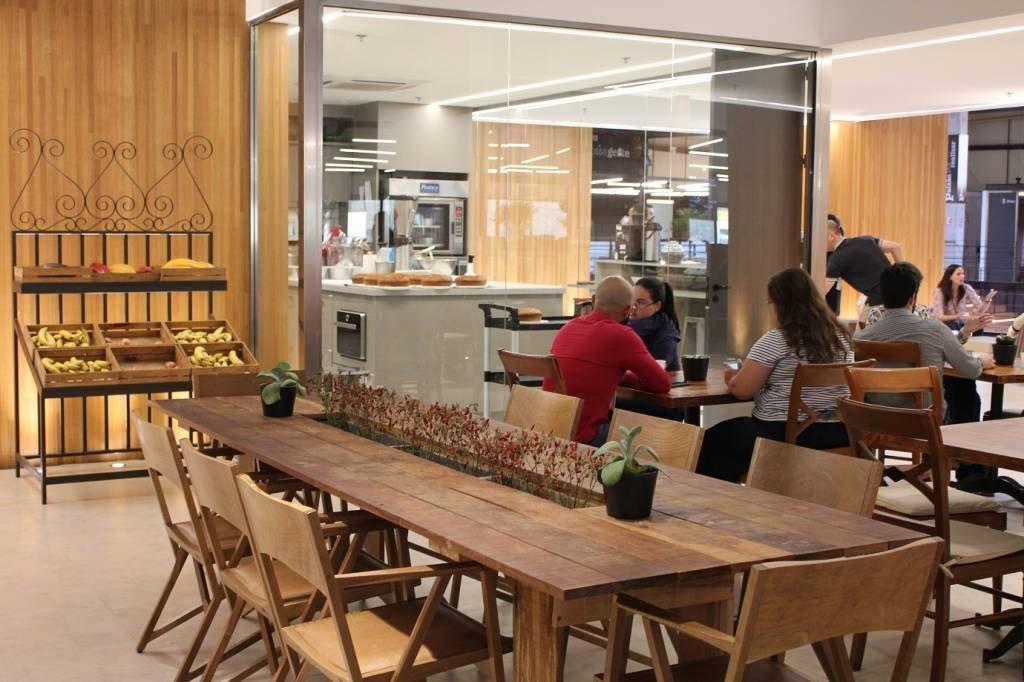 O Coffice é um espçao de reunião e descontração. O escritório tem 52 espaços de reunião