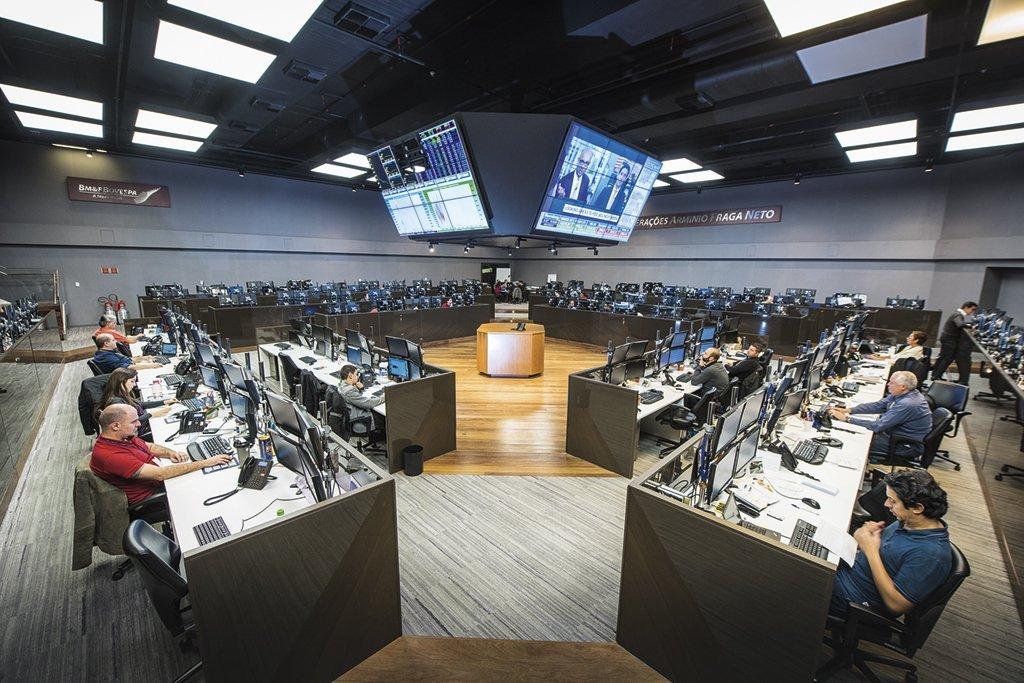 Operadores na bolsa de valores brasileira