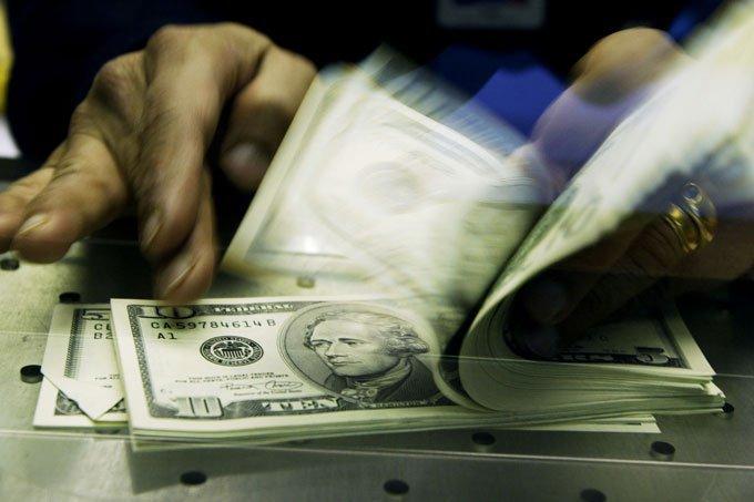 Dólar: moeda teve novo recuo diante do otimismo com eleições, que ocorrem no próximo domingo