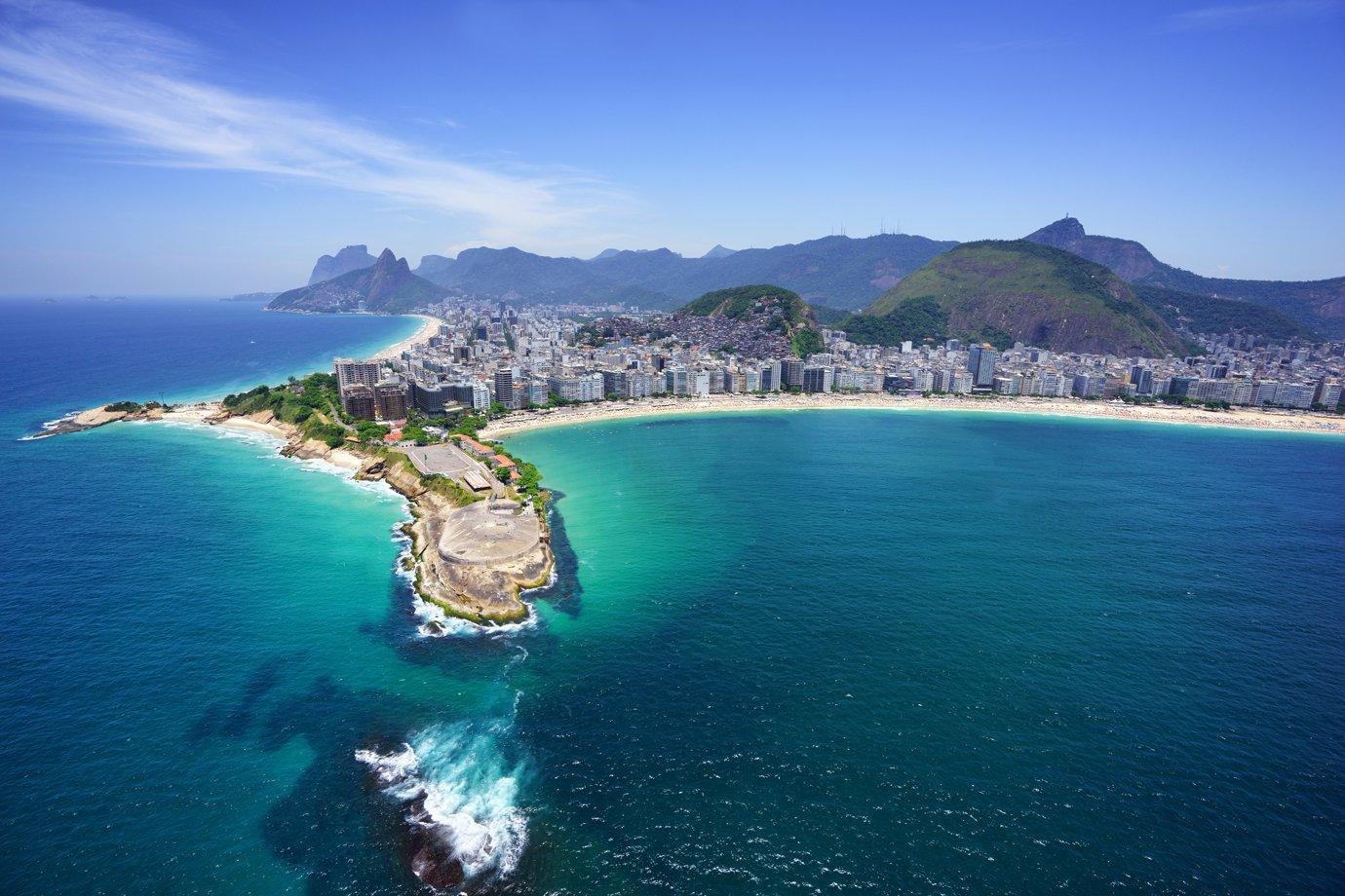 Vista aérea da praia de Copacabana e Ipanema, no Rio de Janeiro
