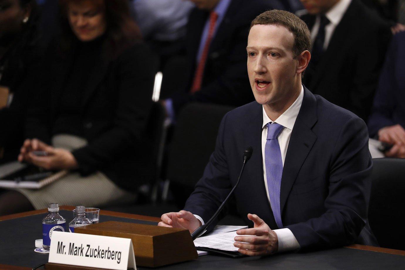 Zuckerberg durante seu depoimento no Congresso dos Estados Unidos, em uma análise pública do vazamento de dados de 87 milhões de usuários para a empresa Cambridge Analytica. Foto: Reuters