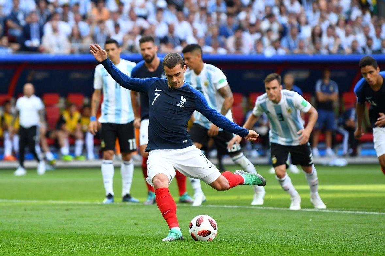 Antoine Griezmann marca primeiro gol da França contra a Argentina nas oitavas de final da Copa do Mundo