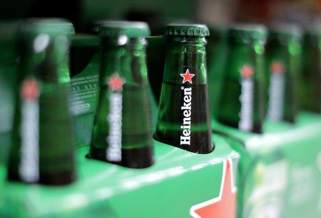 Cervejas da Heineken vistas em mercado na França