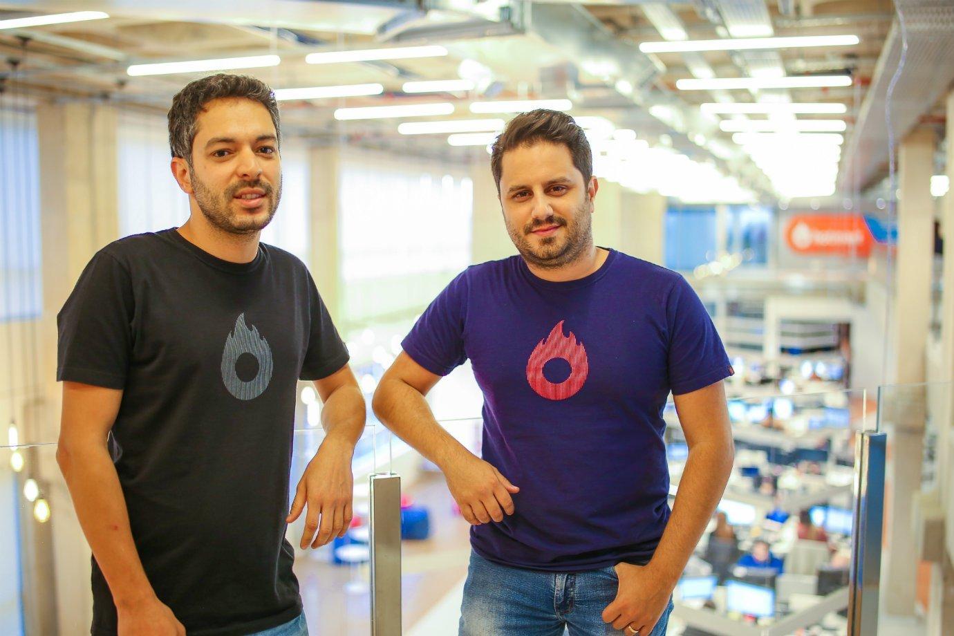 Mateus Bicalho e João Pedro Resende, respectivamente,CTO e CEO da Hotmart