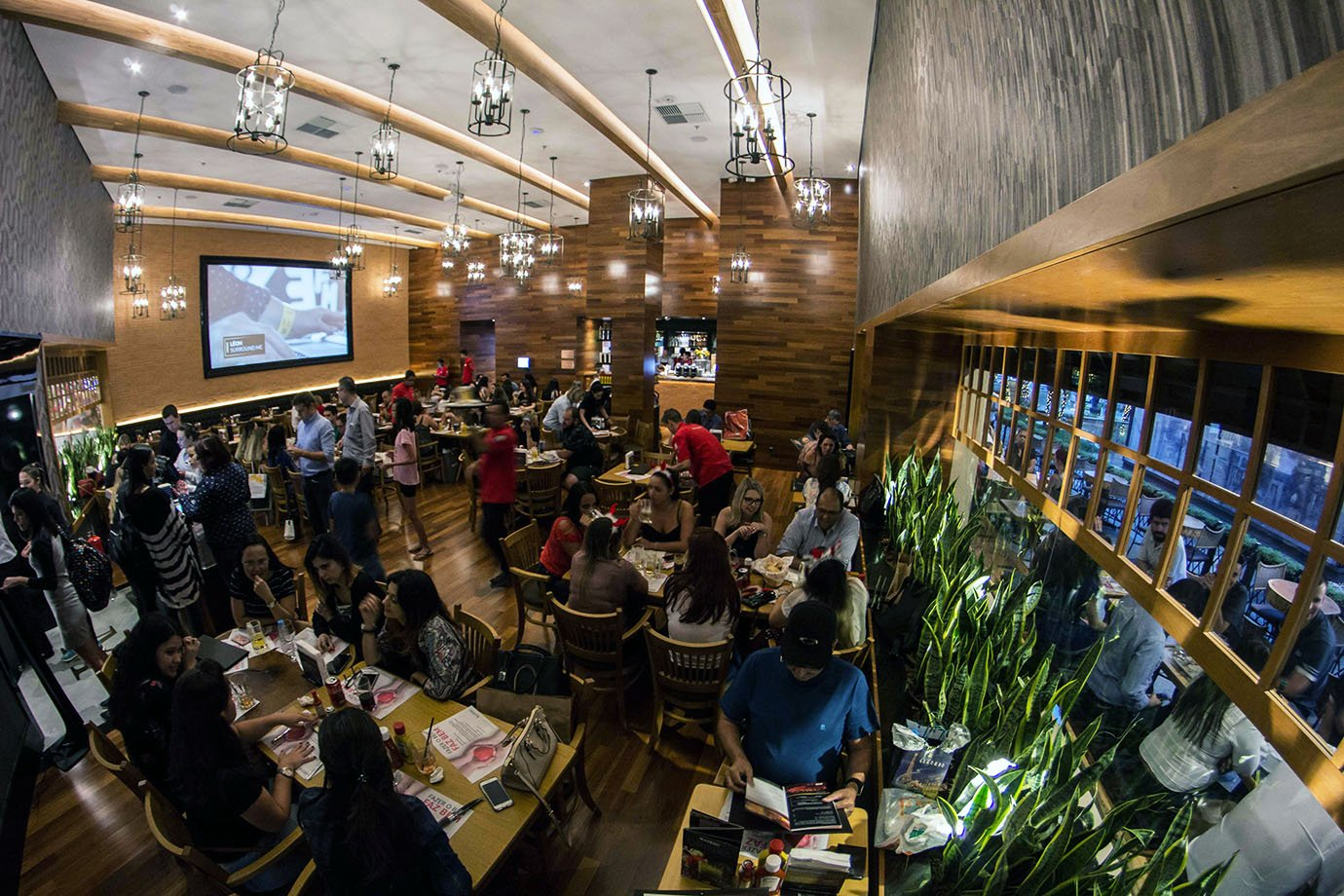 Restaurante da rede de hamburgueria Madero
