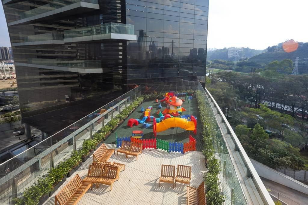 O playground externo, no 5° andar do edifício