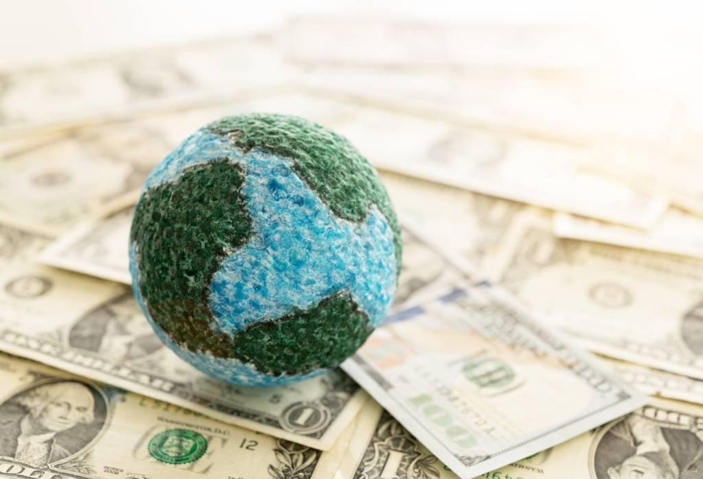 Dinheiro e globo