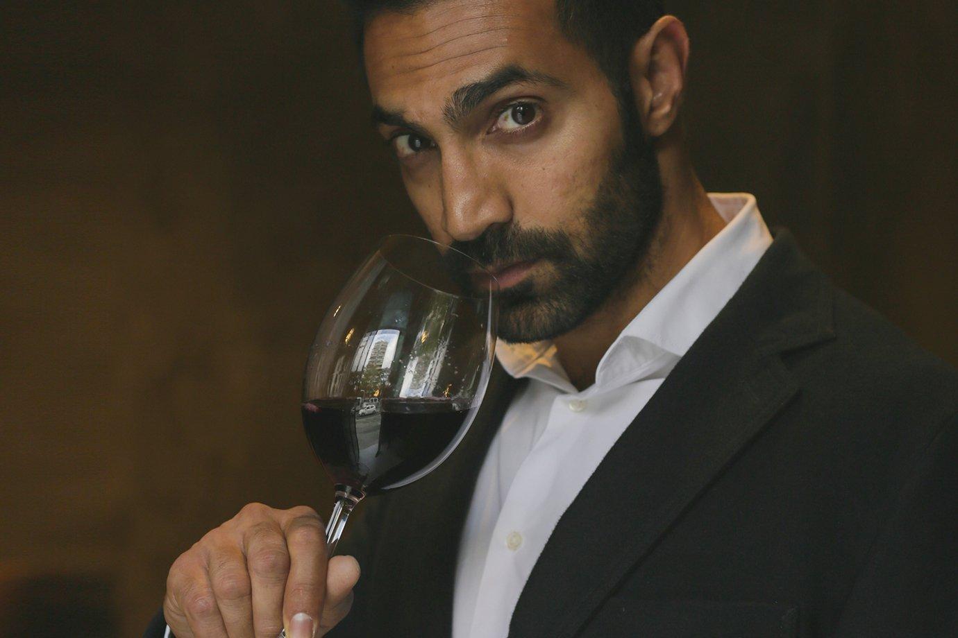 Alykhan Karim, da Sonoma