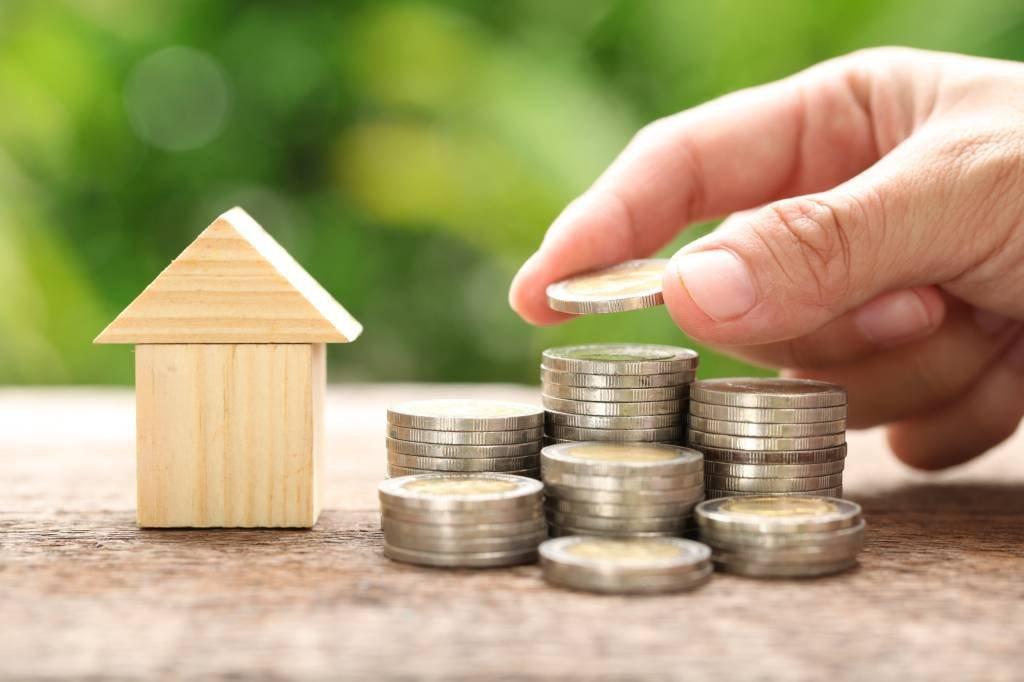 Casa e moedas; imóveis