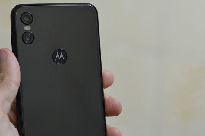 Motorola-One-Back