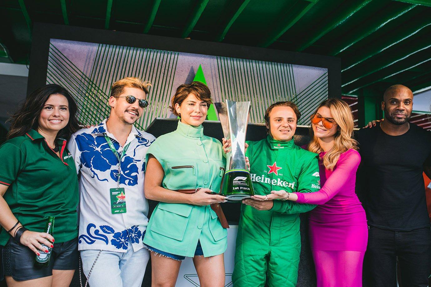 Vanessa Brandão, Caio Braz, Fernanda Paes Leme, Felipe Massa, Julia Faria e Rafael Zulu durante evento da Heineken no Rio