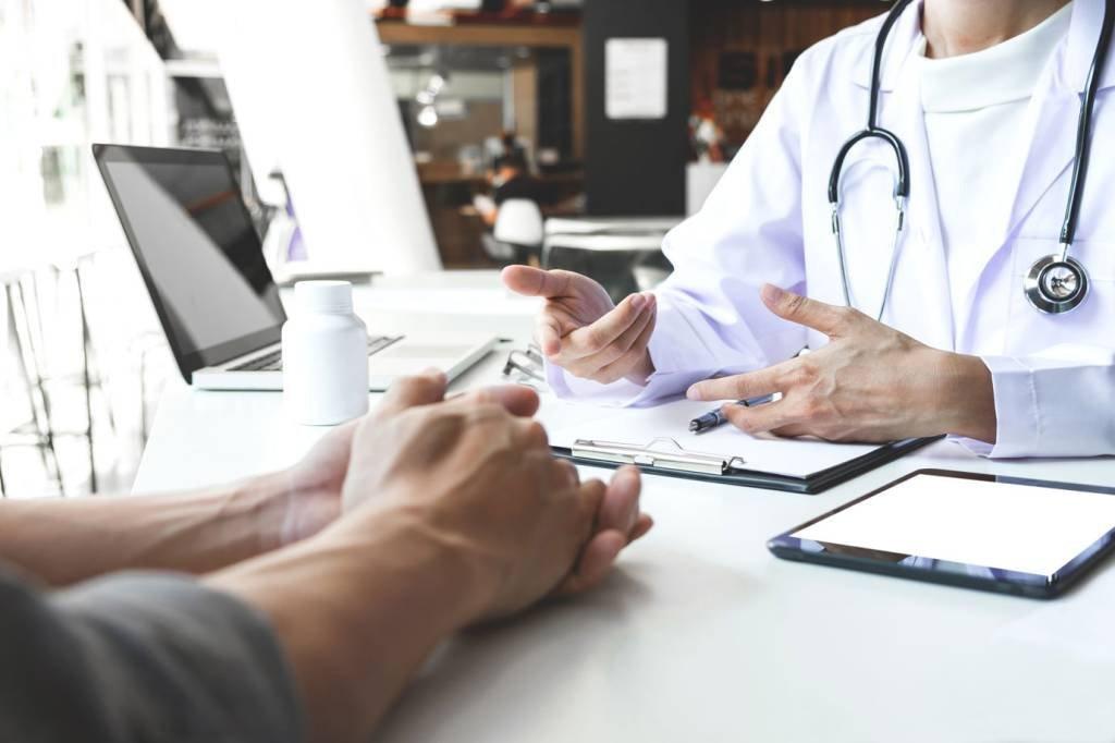 Médico; consulta
