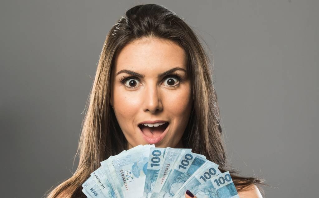 A youtuber Nathalia Arcuri, dona do canal de dicas de finanças Me Poupe!