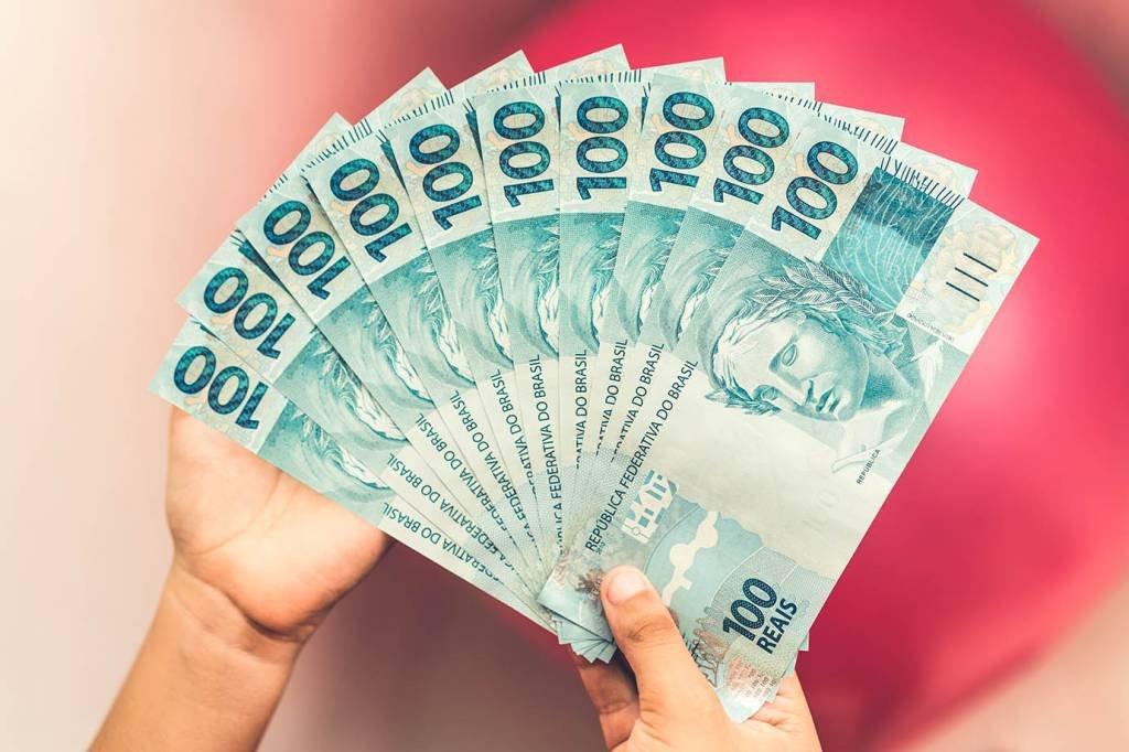 Dinheiro; reais