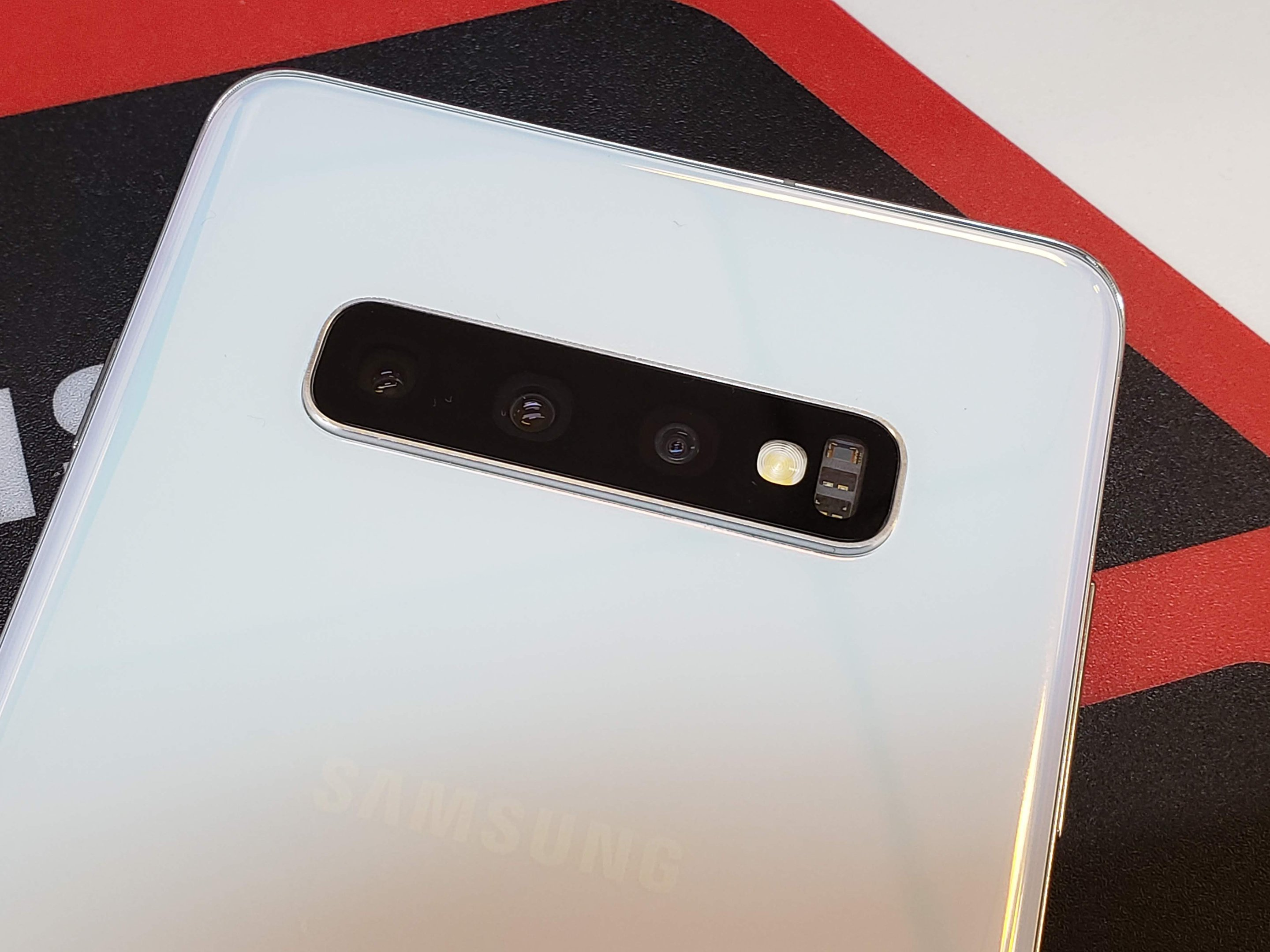 Galaxy-S10+-Review