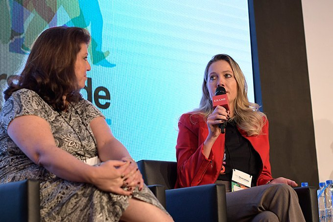 Beatriz Sairafi, diretora de RH da Accenture (à esq.) e Simone Beier, diretora de RH da Cargill no Brasil.