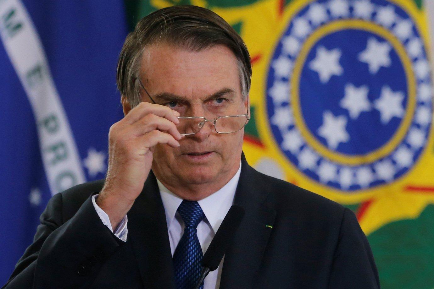 Em novo ataque, Bolsonaro sugere que China faz guerra química com Covid