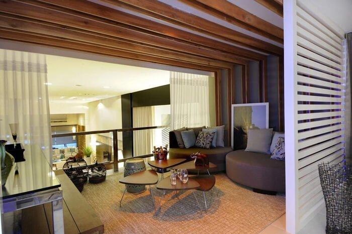 Projeto de decoração de Sergio Palmeira utiliza tapete