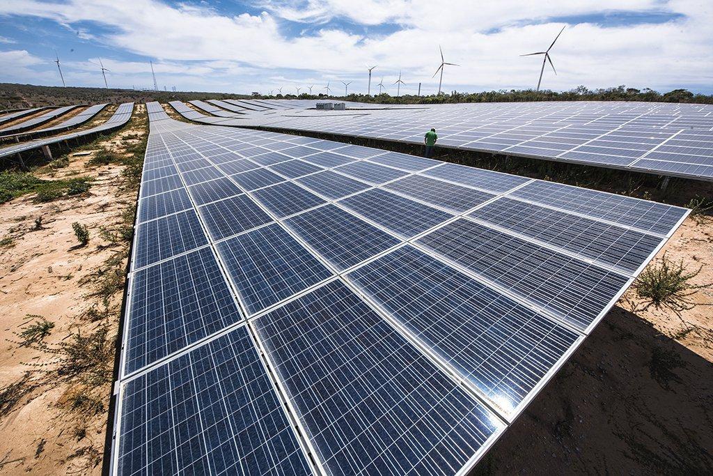Usina de energia solar fotovoltaica em Petrolândia (PE)