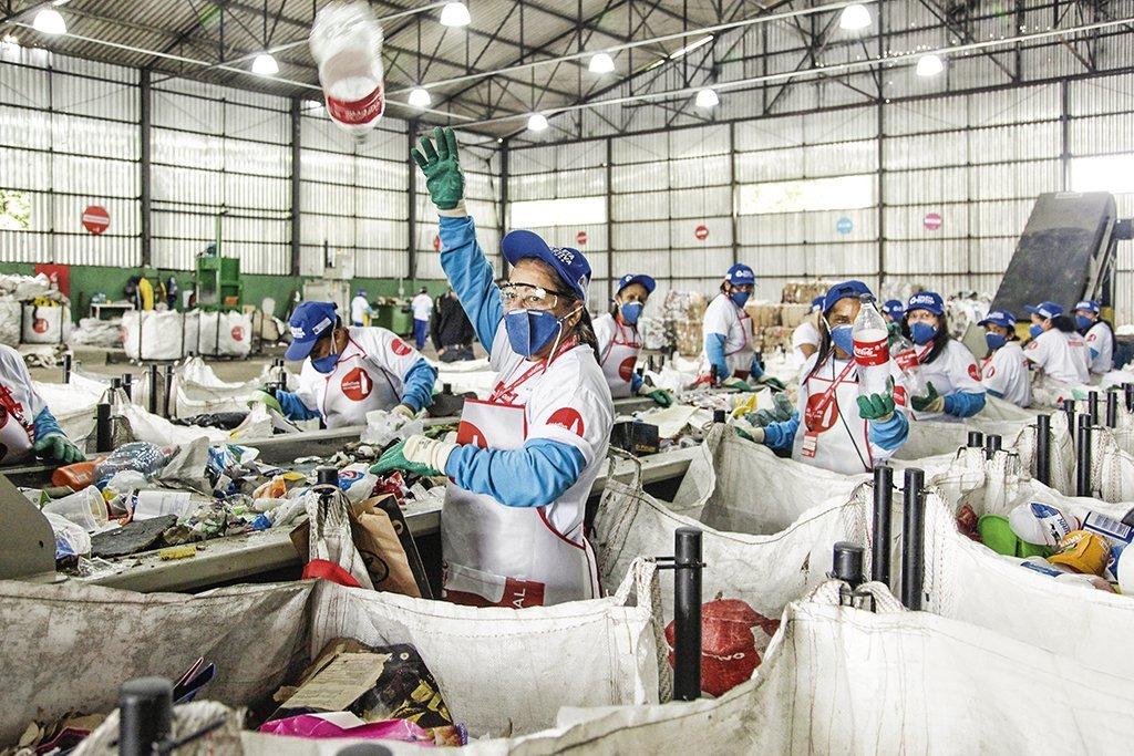 Reciclagem de garrafas PET da Coca-Cola