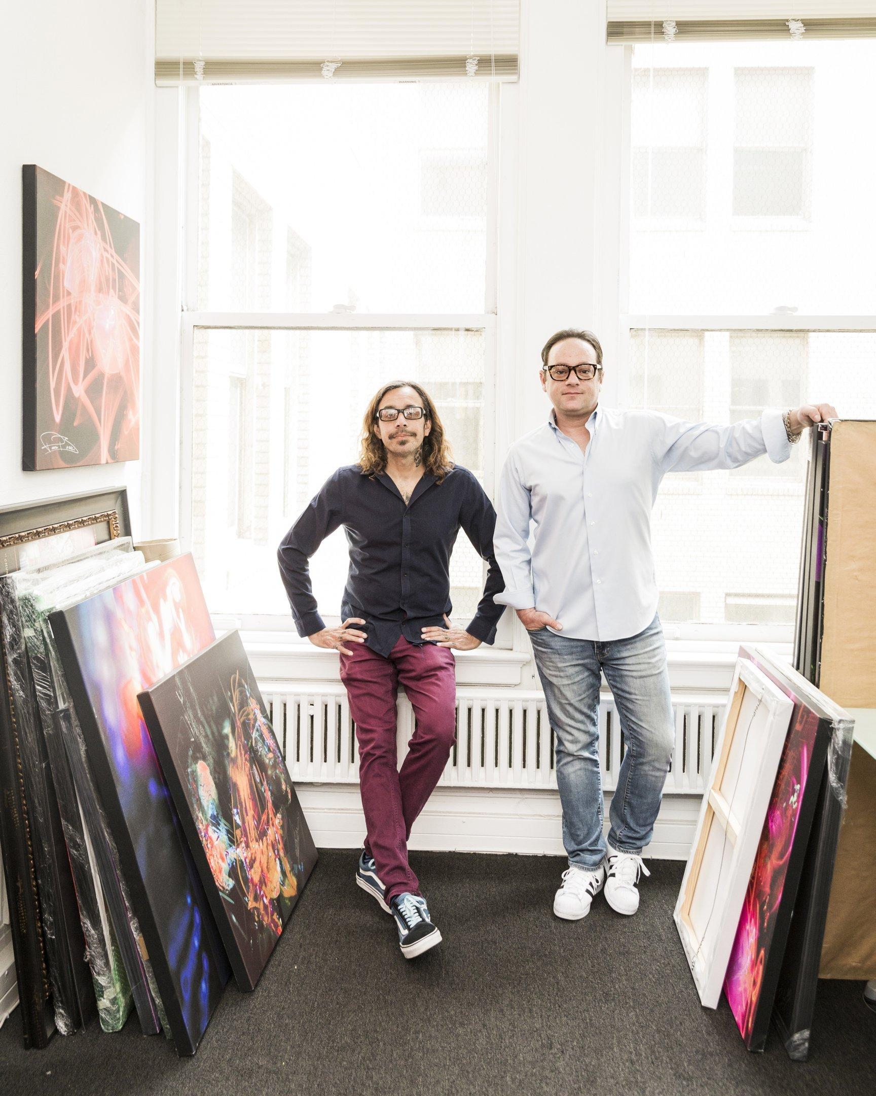 Ravi Dosaj e Cory Danziger, fundadores da SceneFour, em seu escritório em Los Angeles