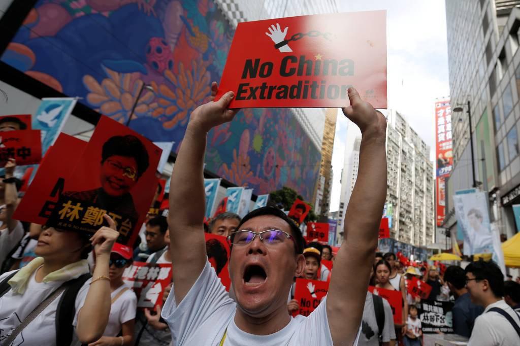 Manifestantes protestam em Hong Kong contra a lei de extradição à China. 09/06/2019