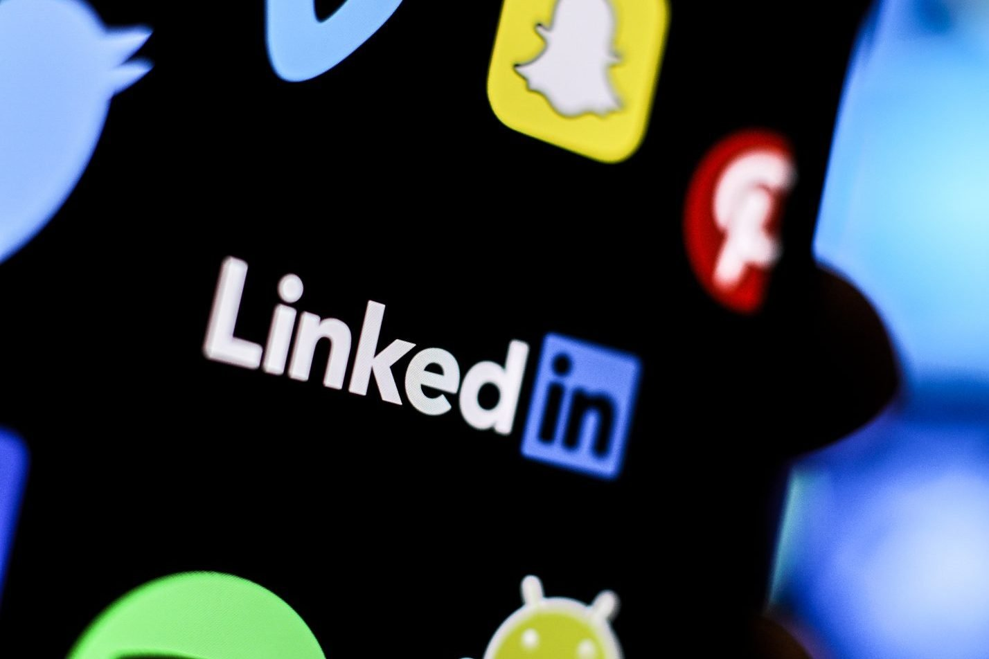 Microsoft vai fechar LinkedIn na China; entenda motivo