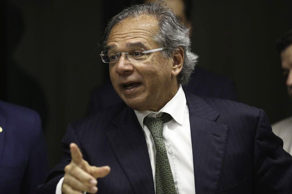 """Reforma Administrativa trará """"concursos"""" e """"promoção por mérito"""", diz Paulo Guedes"""