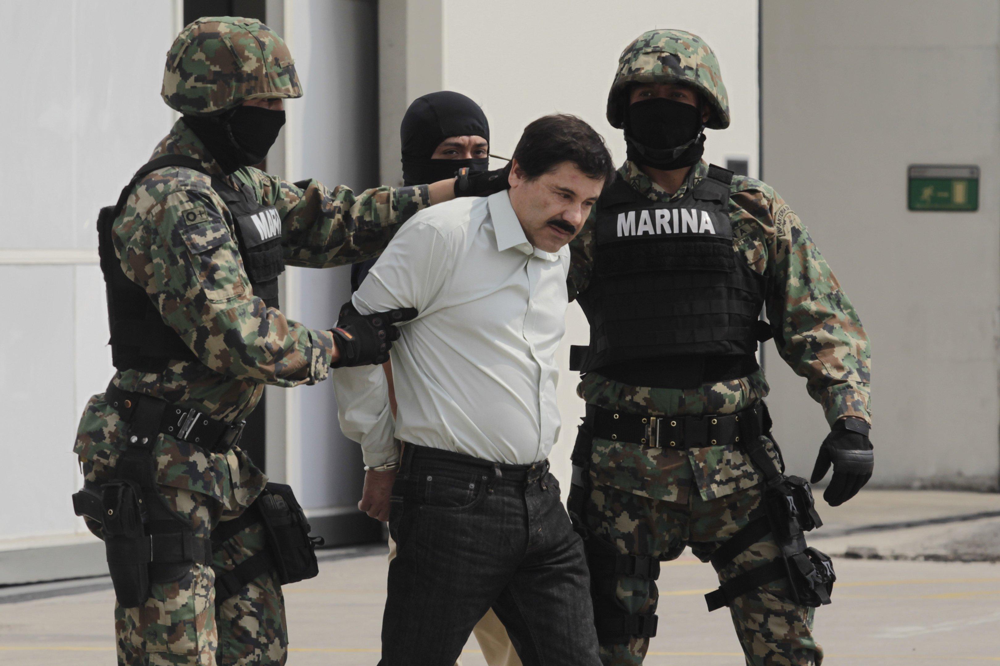 Traficante mexicano El Chapo é condenado à prisão perpétua nos EUA