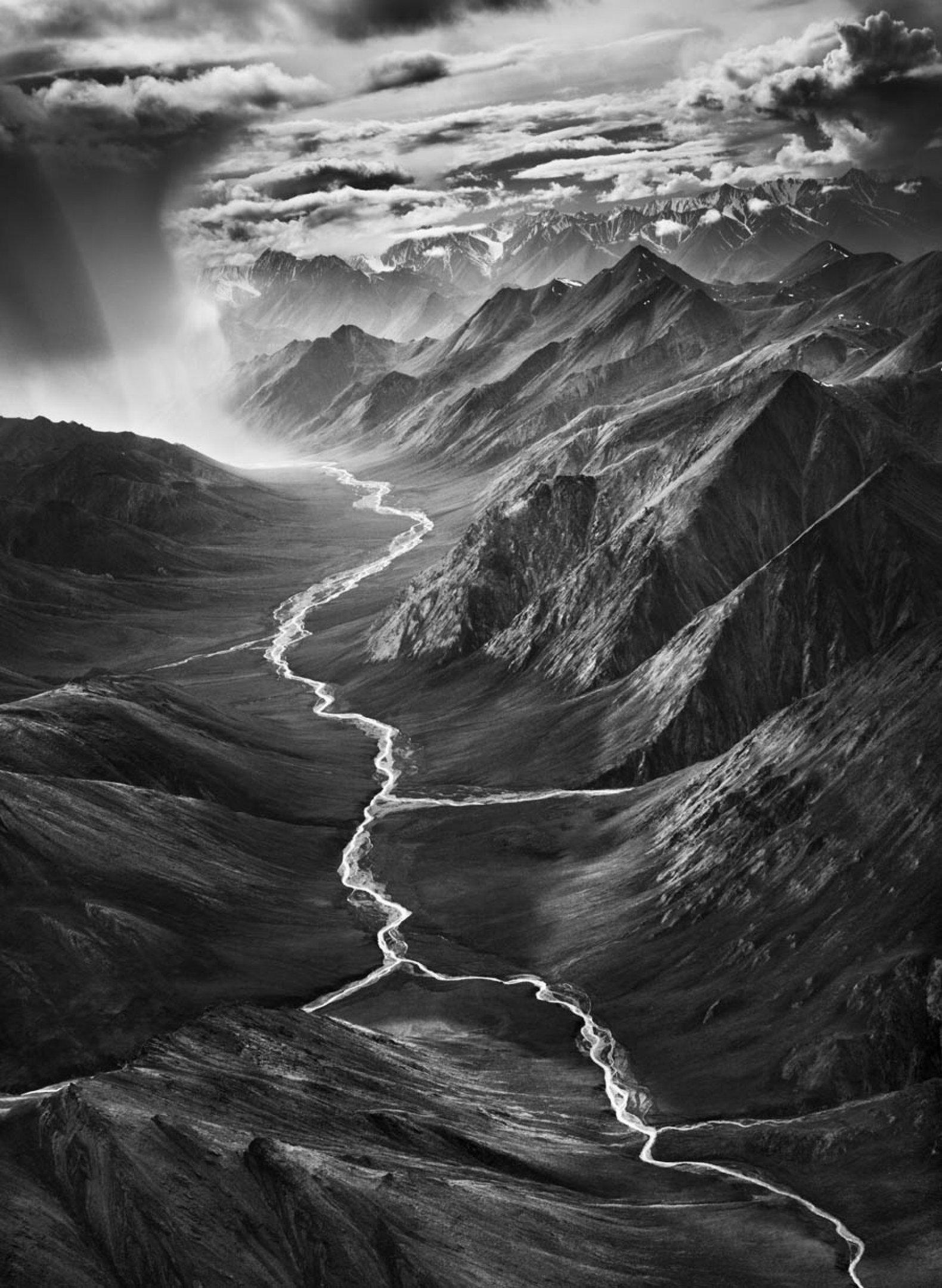 """""""Montanhas de Brooks - Alasca"""", 2009, de Sebastião Salgado"""