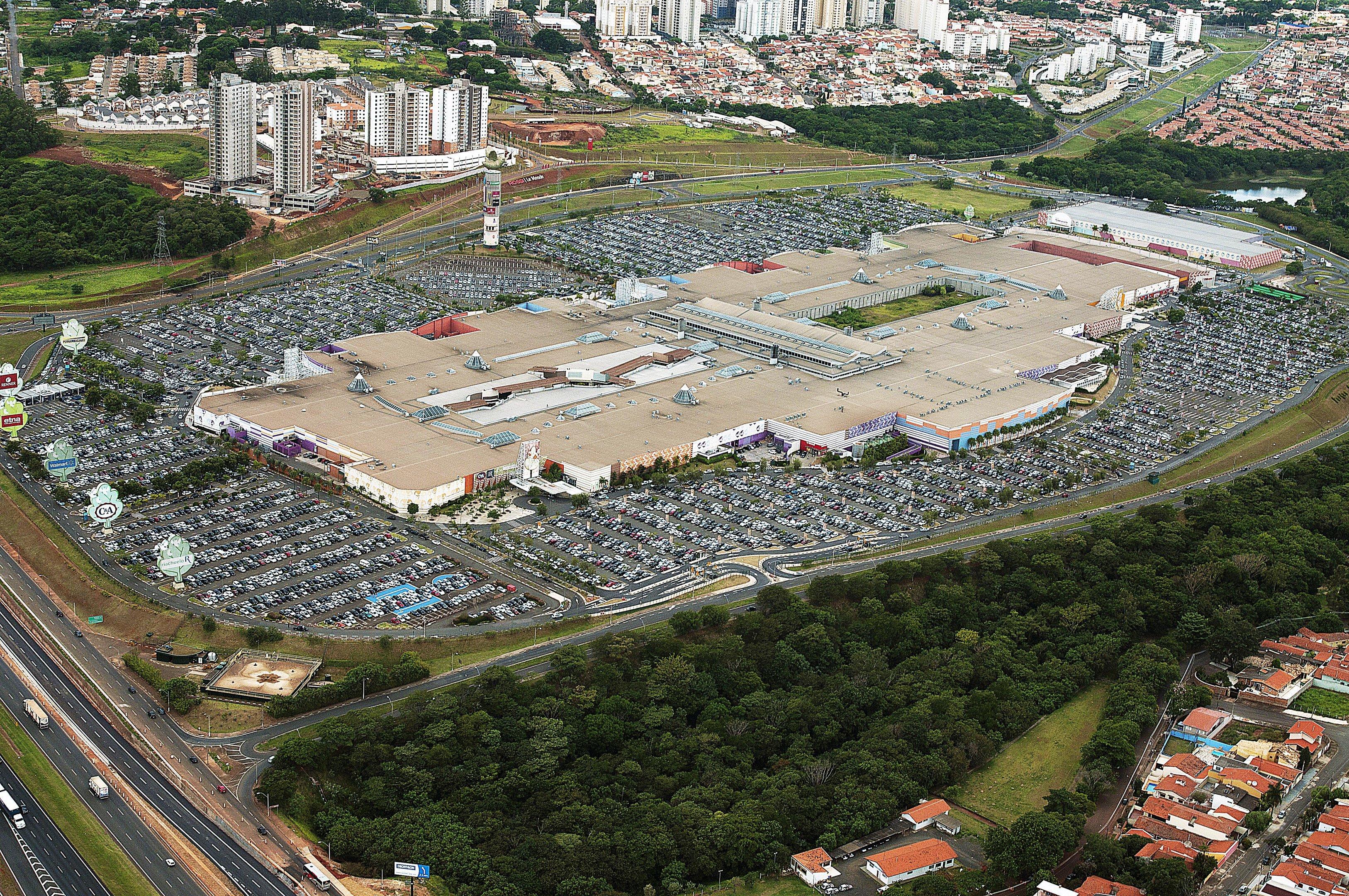 Vista aérea do Parque Dom Pedro, shopping em Campinas, SP