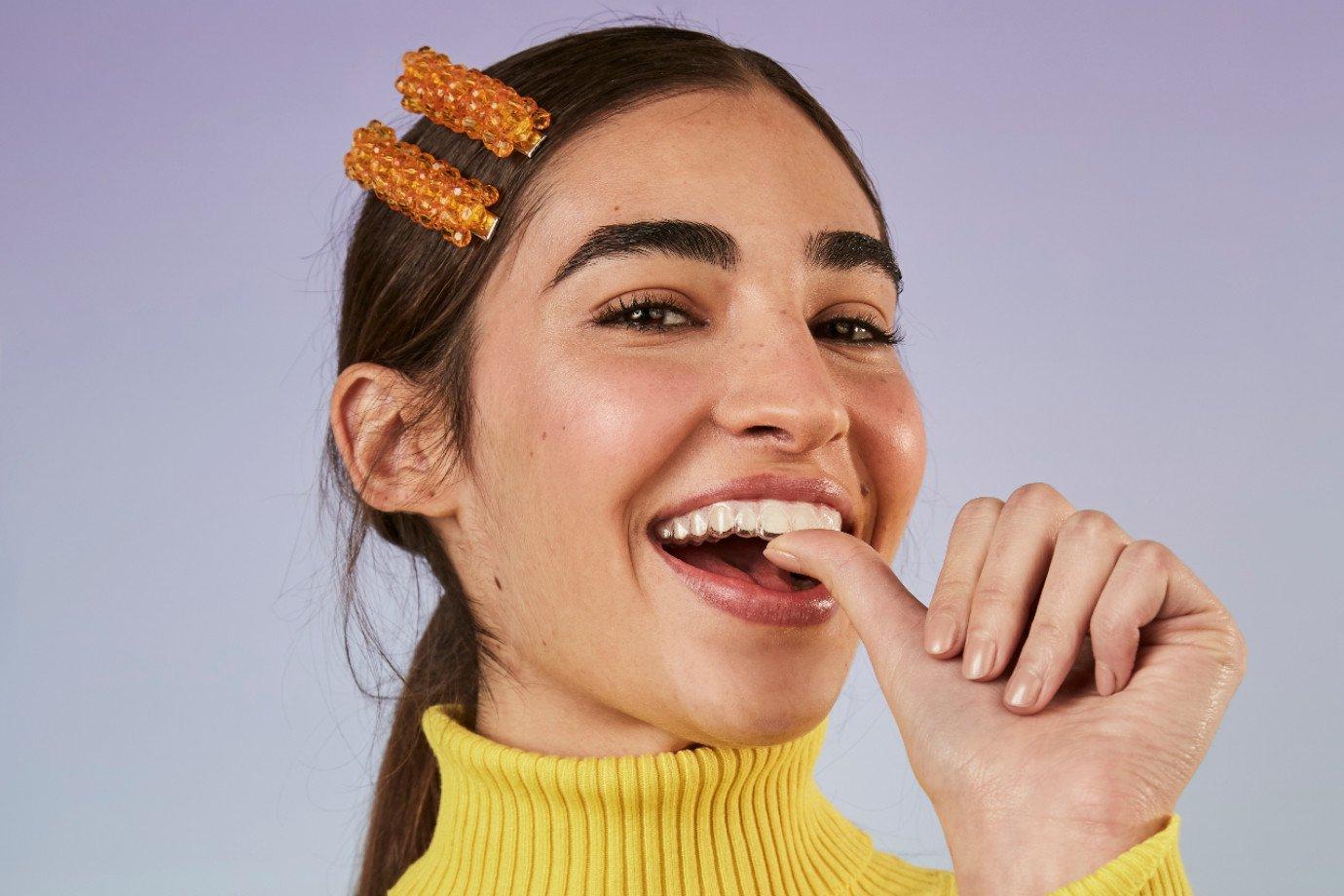 Alinhador dentário transparente da SouSmile