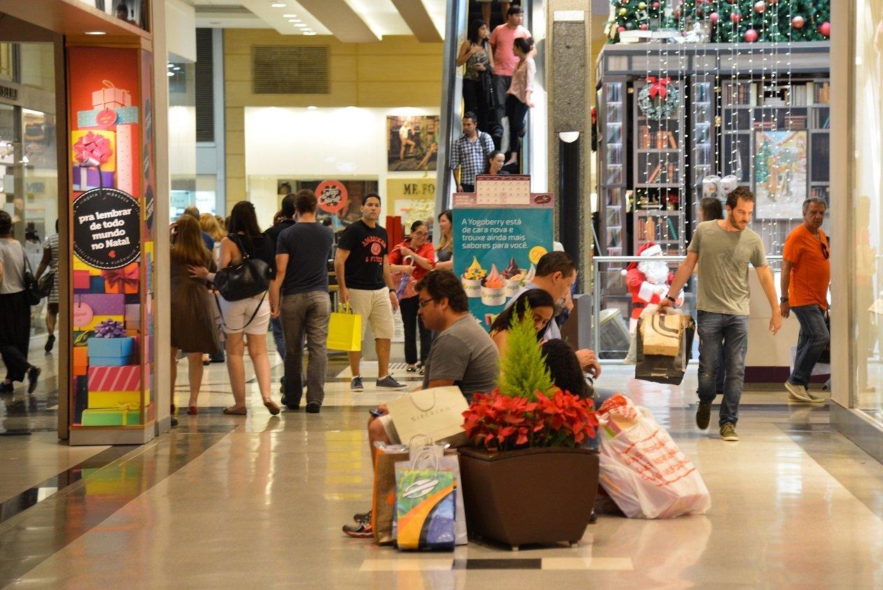 Compras nos shoppings as vésperas do Natal