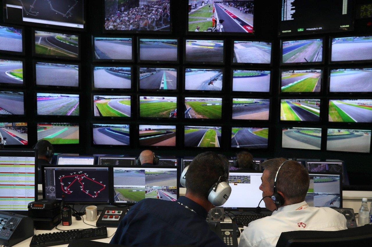 Sala de controle do VAR na F1