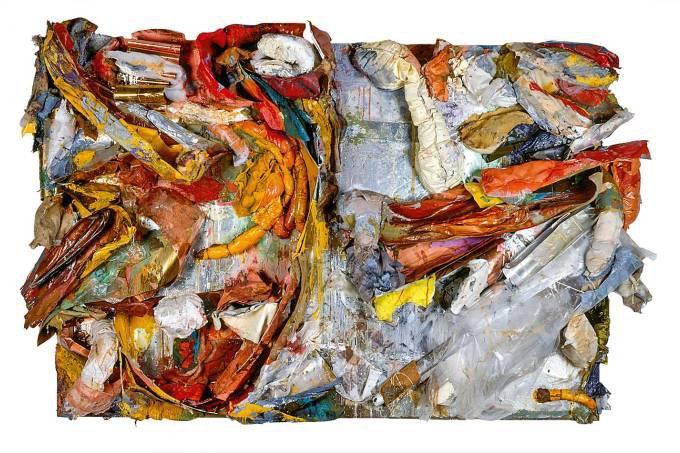 Nuno Ramos na exposição Ratos e Urubus, Larguem Minha Fantasia