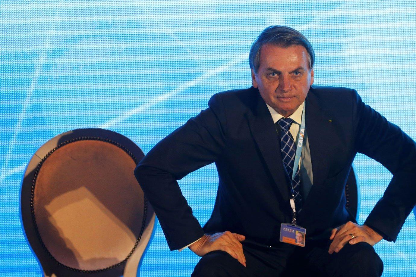 """Bolsonaro diz que não é """"autoritário"""" porque não toma decisões ..."""