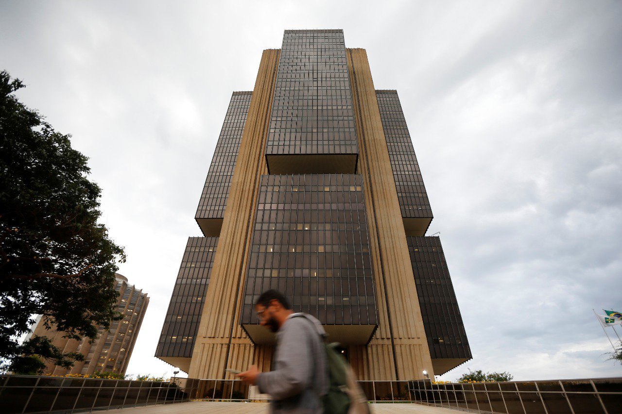 Derrocada fiscal: mercado já vê Selic de até 11% em 2022
