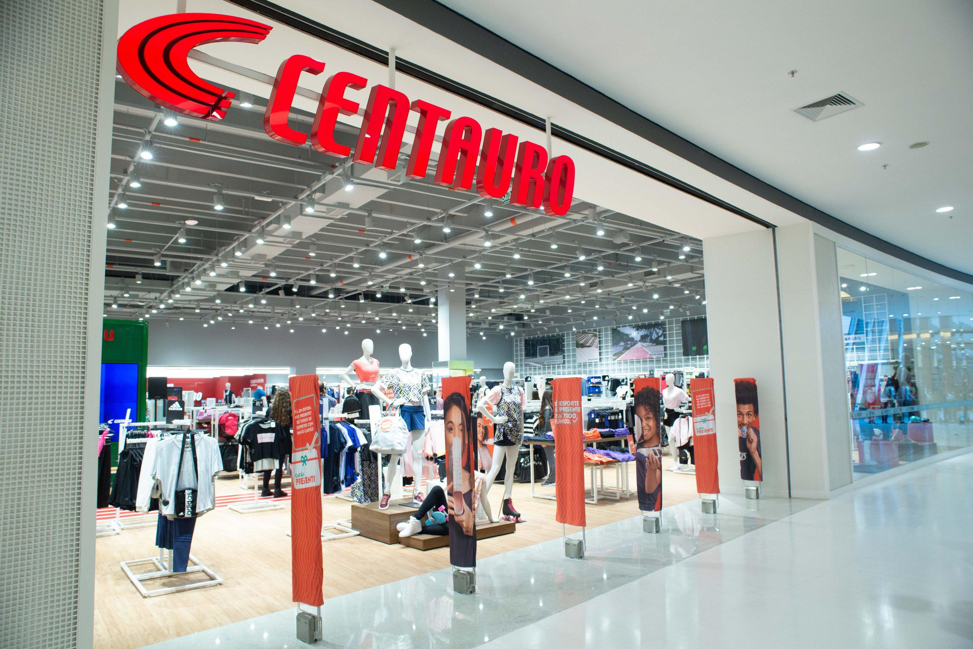 escalera mecánica Enriquecimiento Fraternidad  Dono da Centauro compra Nike no Brasil e será único distribuidor da marca |  Exame