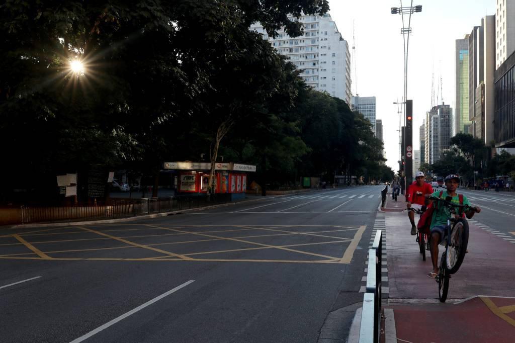 Coronavírus em São Paulo: Avenida Paulista vazia durante quarentena