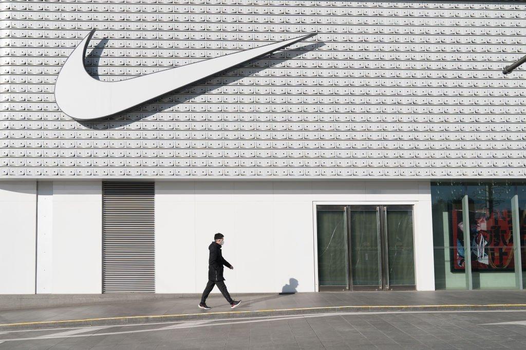 Nike e outras varejistas fecham lojas para conter avanço do coronavírus